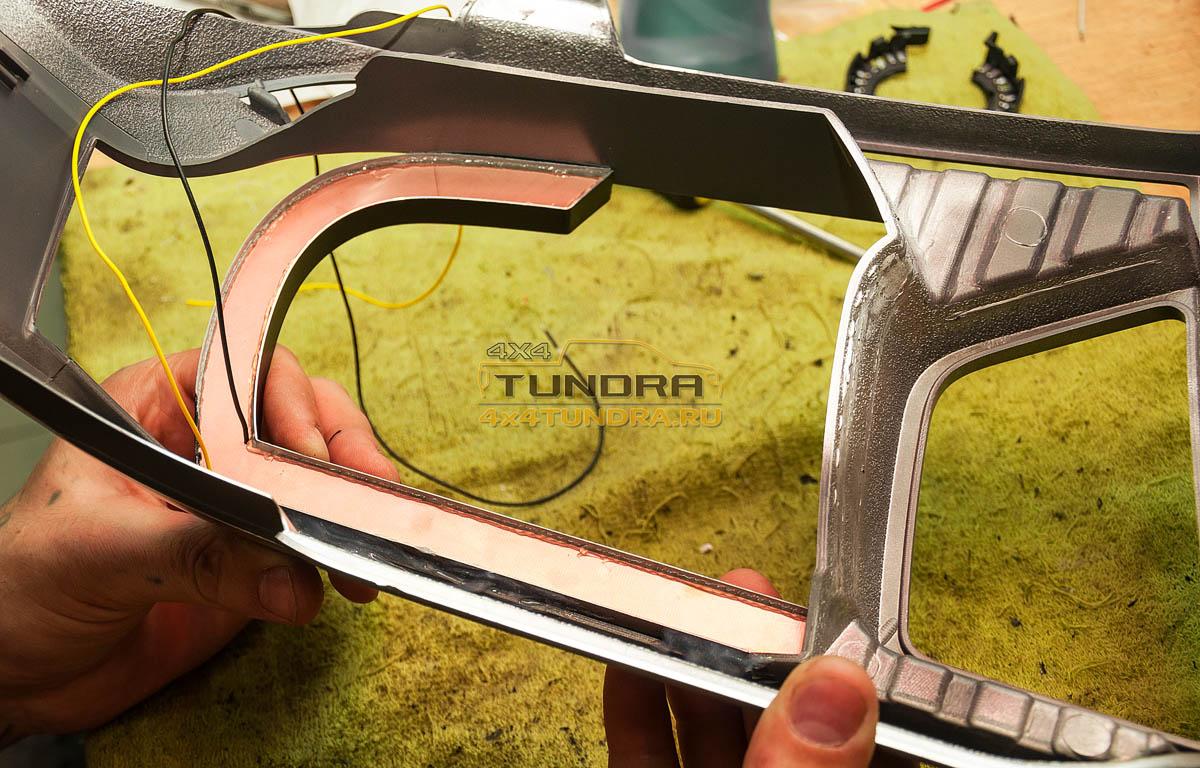 Toyota-Tundra-2014-headlights-hella-xenon-lens-4