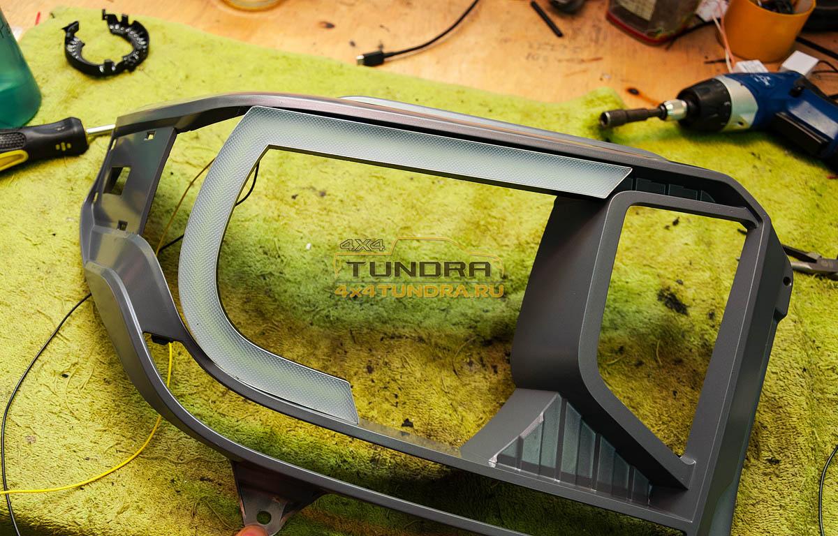 Toyota-Tundra-2014-headlights-hella-xenon-lens-5