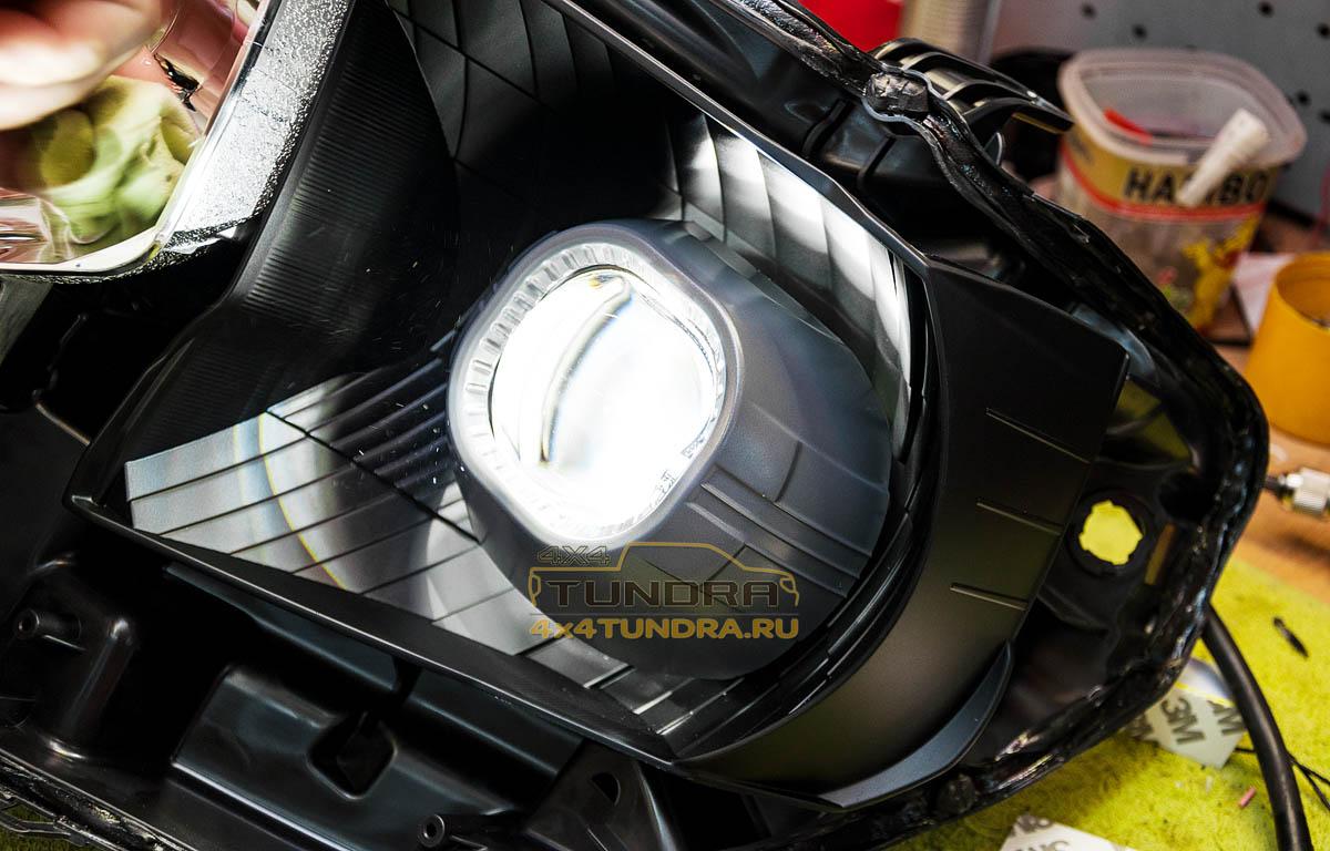 Toyota-Tundra-2014-headlights-hella-xenon-lens-8