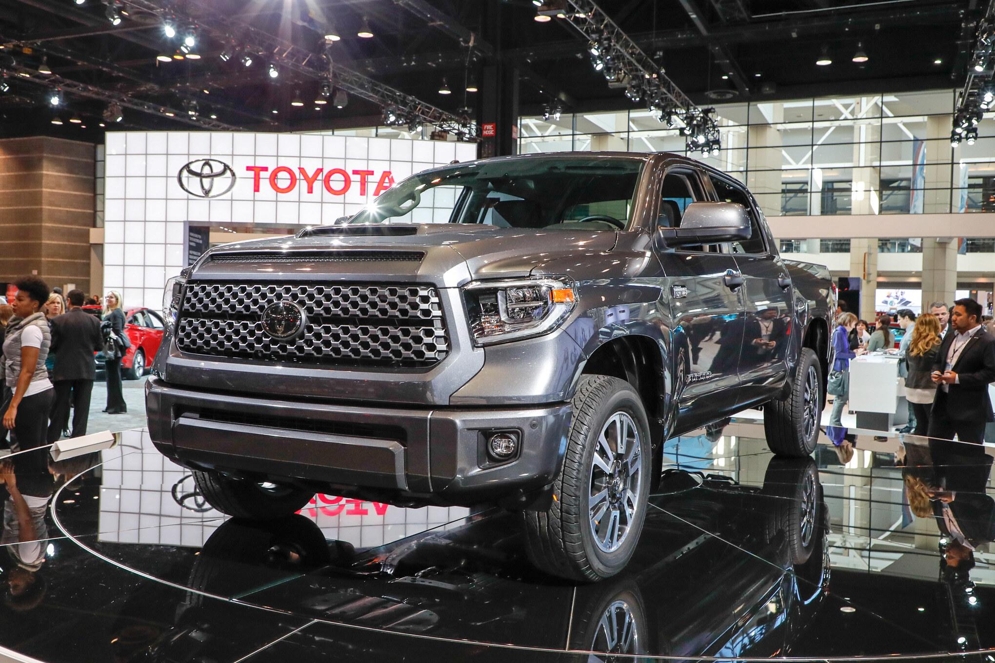 2018-Toyota-Tundra-TRD-Sport-front-three-quarters-1