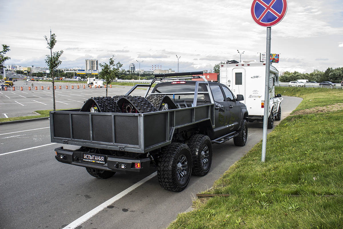 Toyota-Tundra-6x6-21