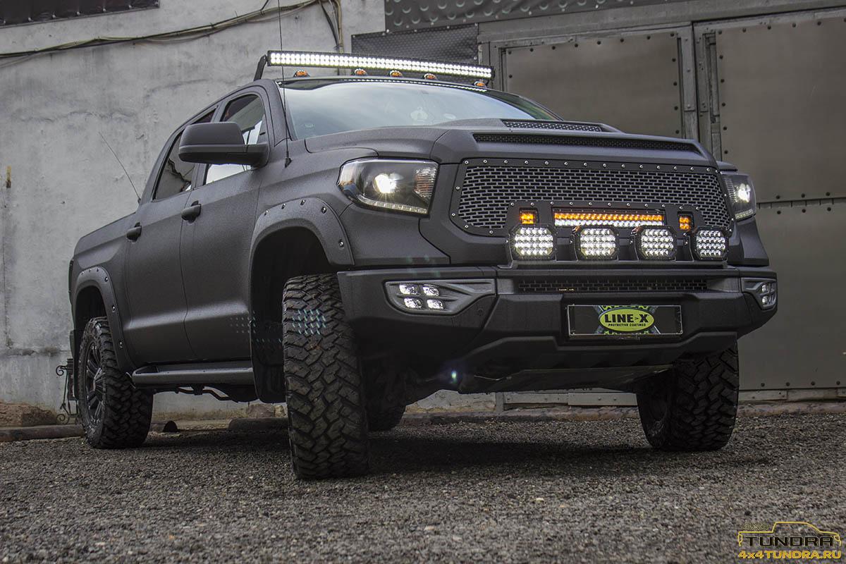 Toyota-Tundra-2014-full-line-x-2