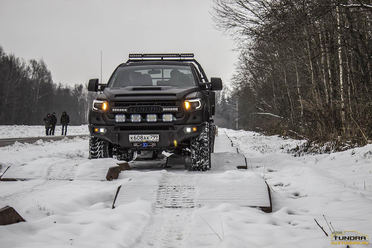 Toyota-Tundra-6x6-hercules-NAMI-10