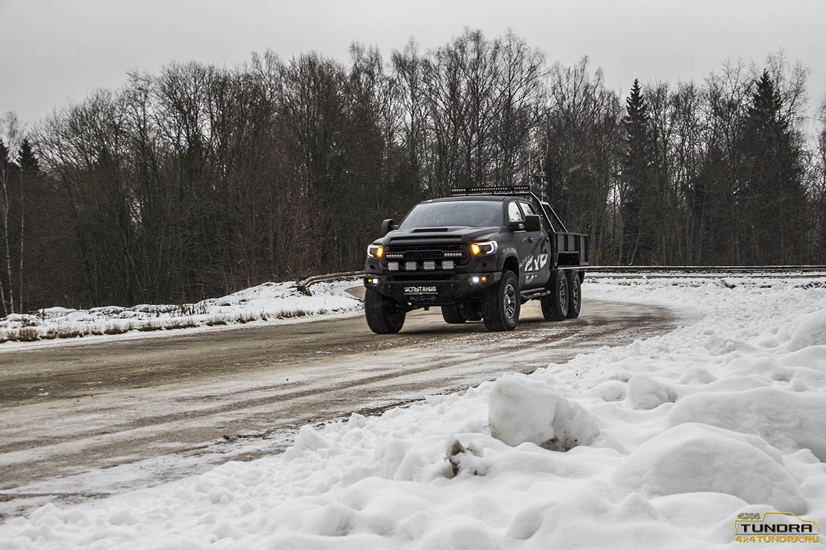 Toyota-Tundra-6x6-hercules-NAMI-31