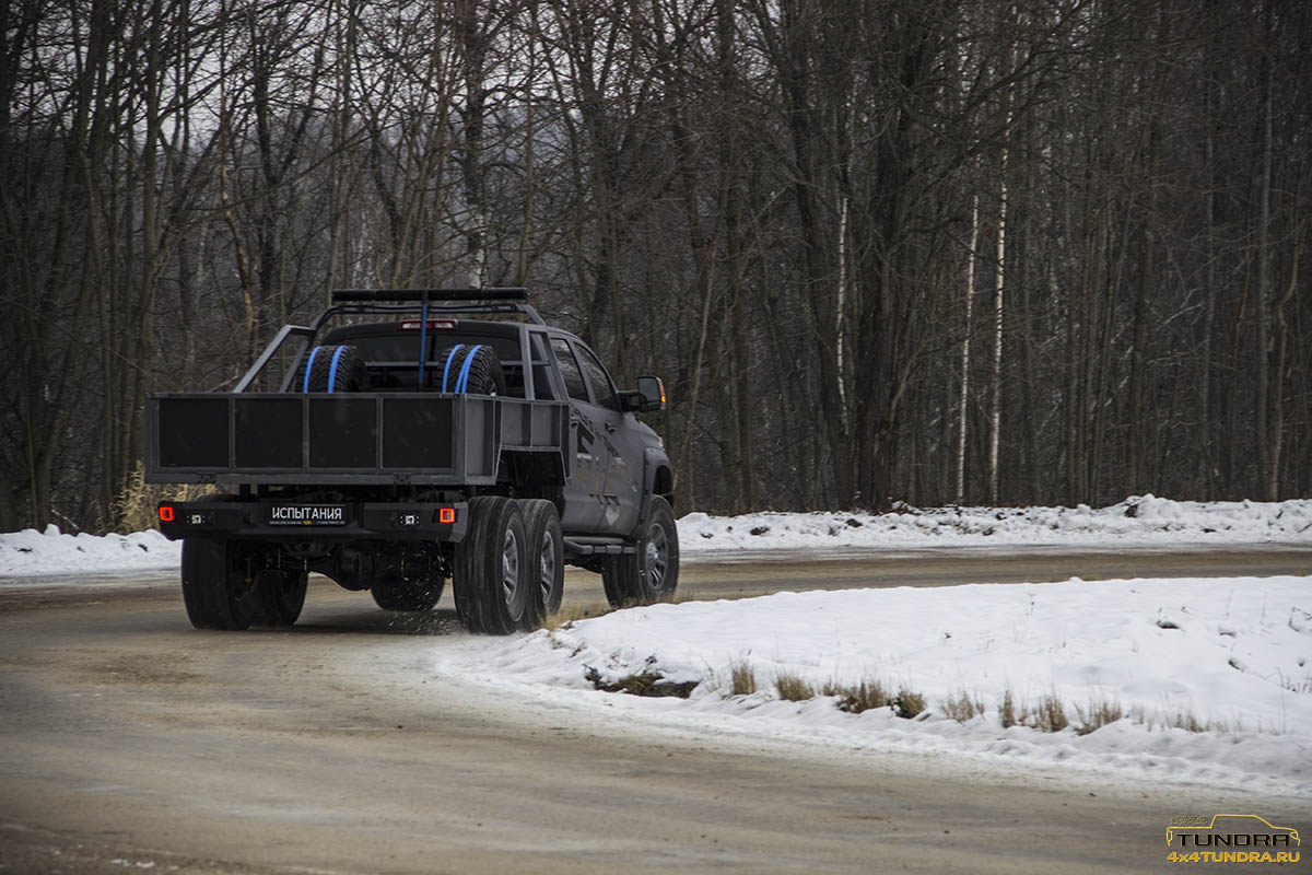 Toyota-Tundra-6x6-hercules-NAMI-33