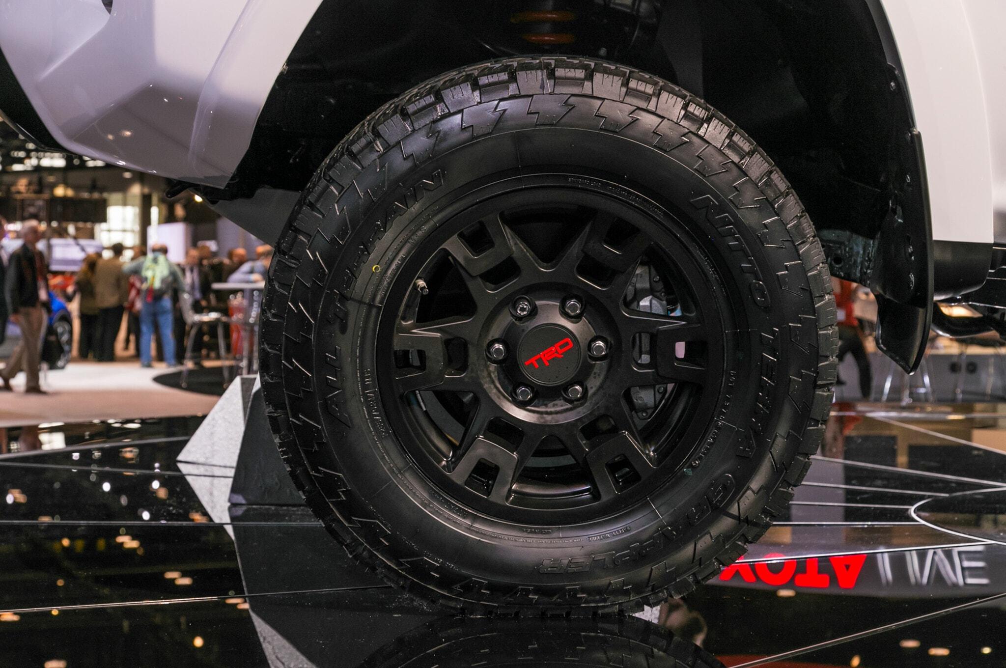 2019-Toyota-4Runner-TRD-Pro-front-wheel