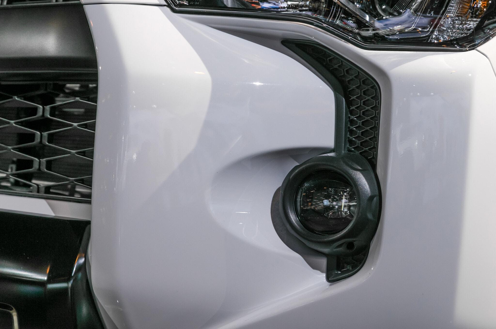 2019-Toyota-4Runner-TRD-Pro-headlight-detail