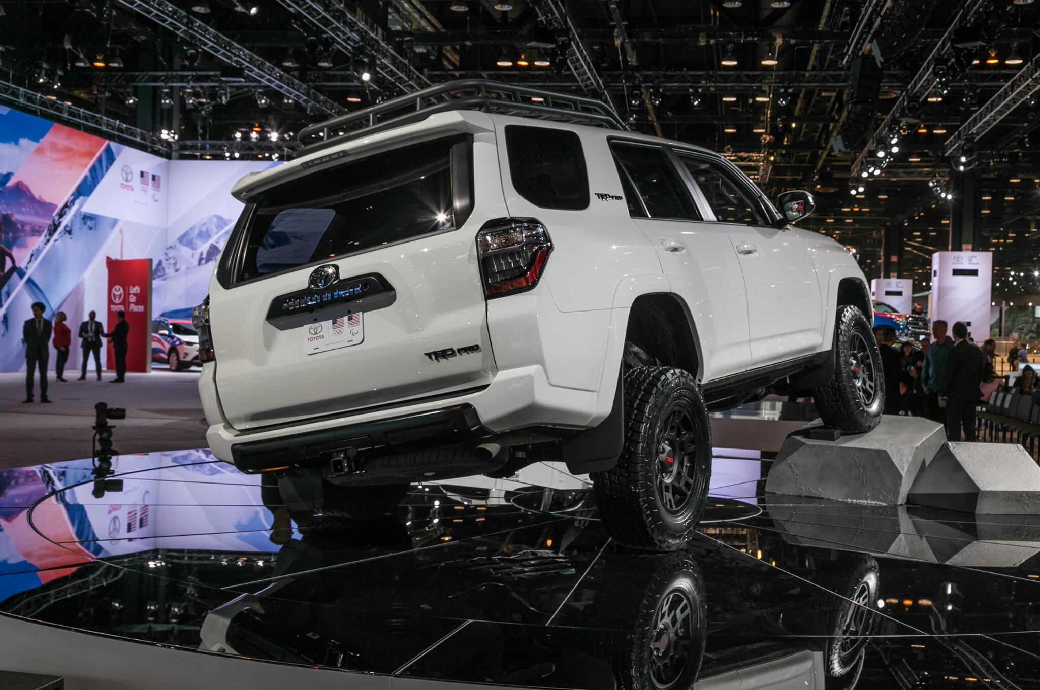 2019-Toyota-4Runner-TRD-Pro-rear-three-quarter