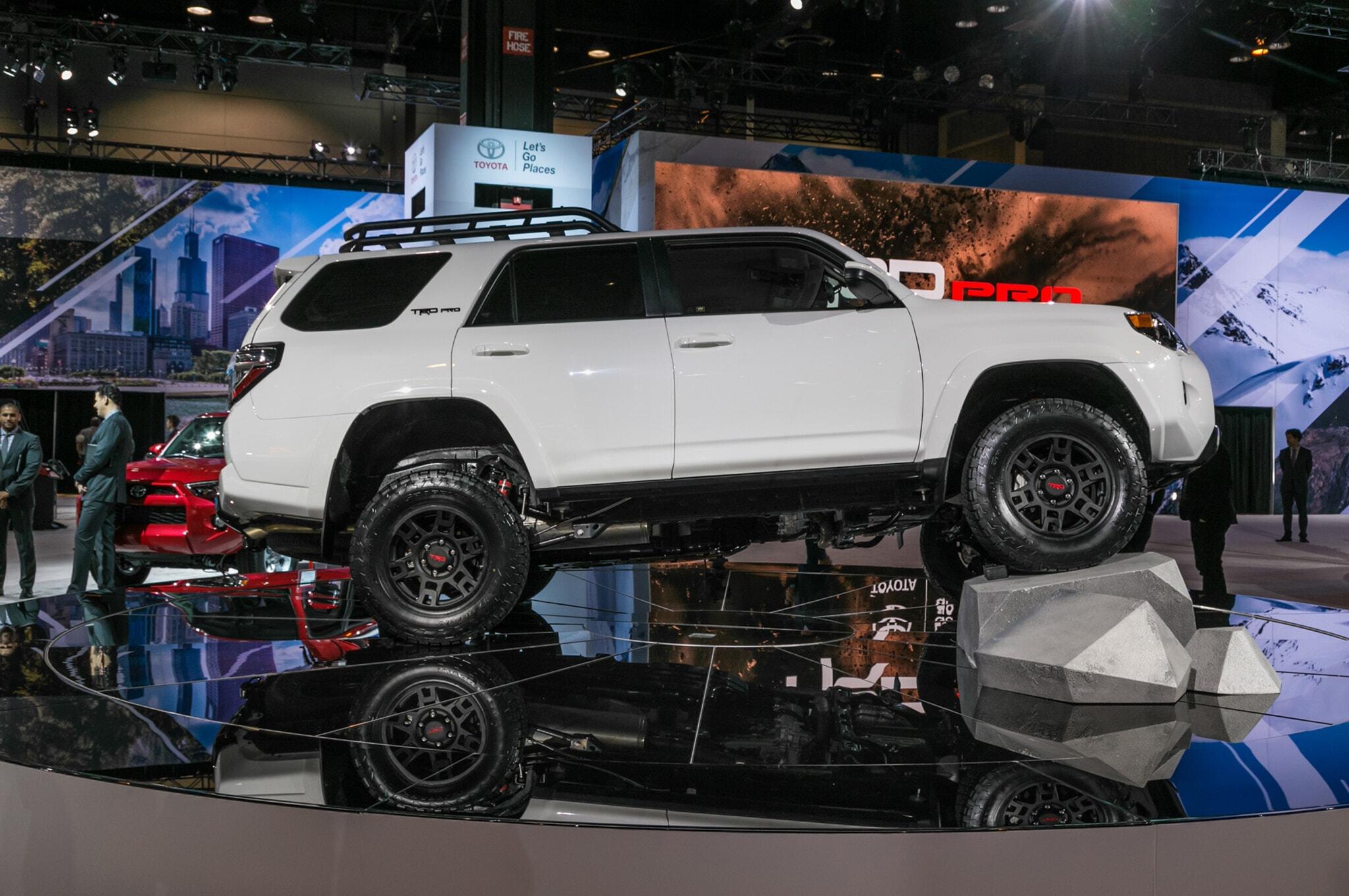 2019-Toyota-4Runner-TRD-Pro-side