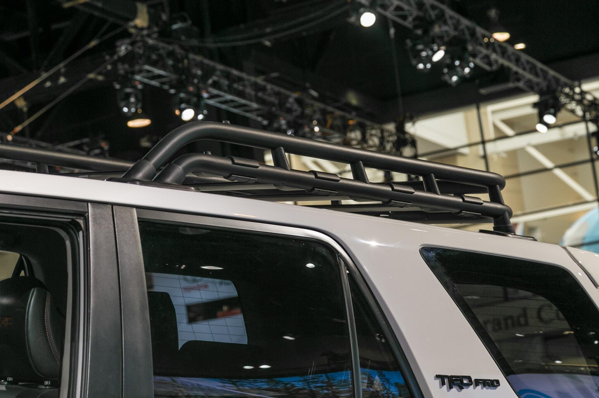 2019-Toyota-4Runner-TRD-Pro-top-roof-detail