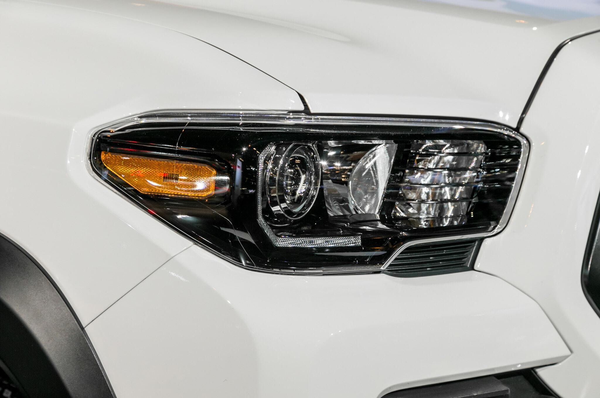 2019-Toyota-Tacoma-TRD-Pro-headlight