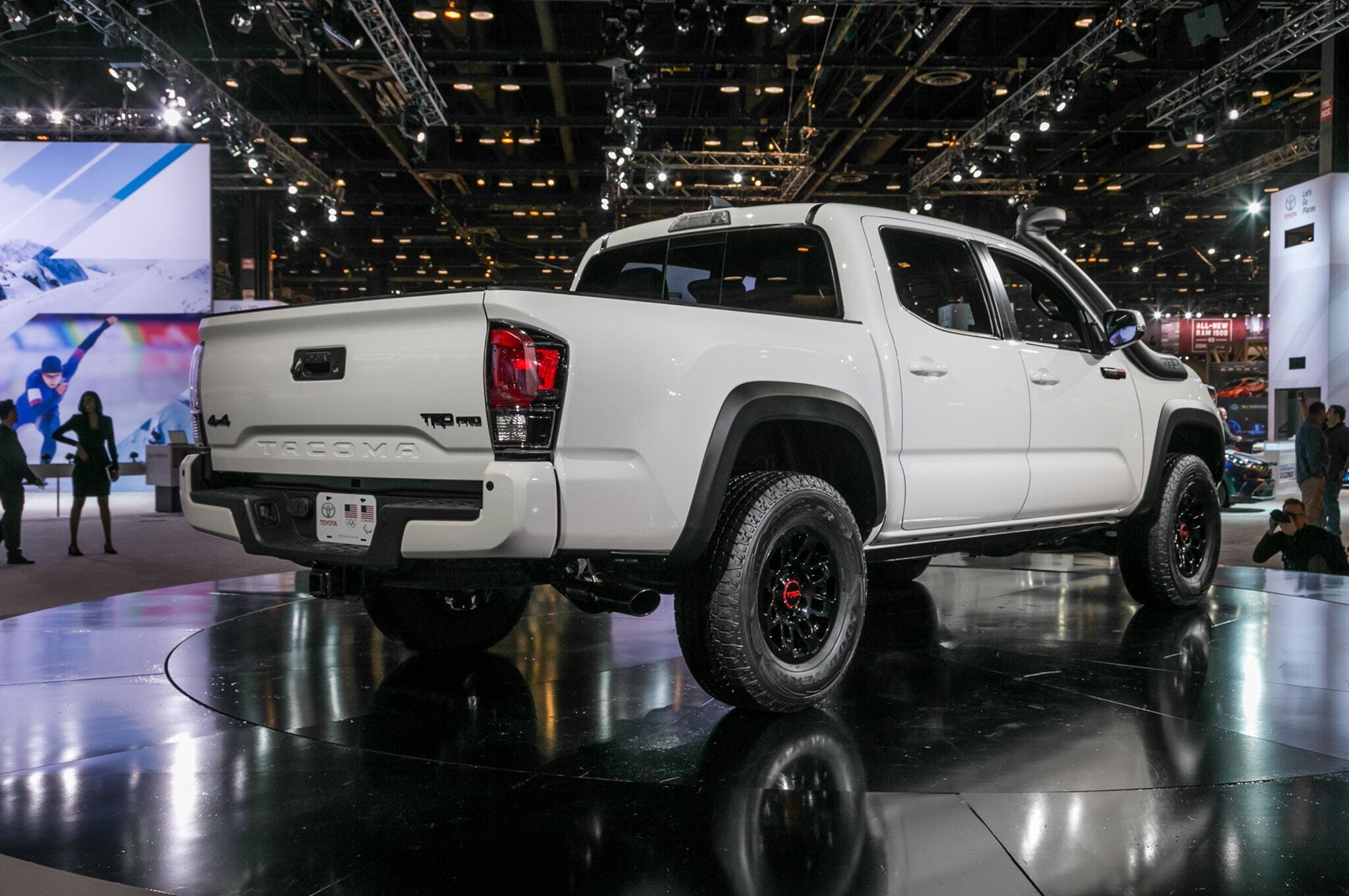 2019-Toyota-Tacoma-TRD-Pro-rear-three-quarter