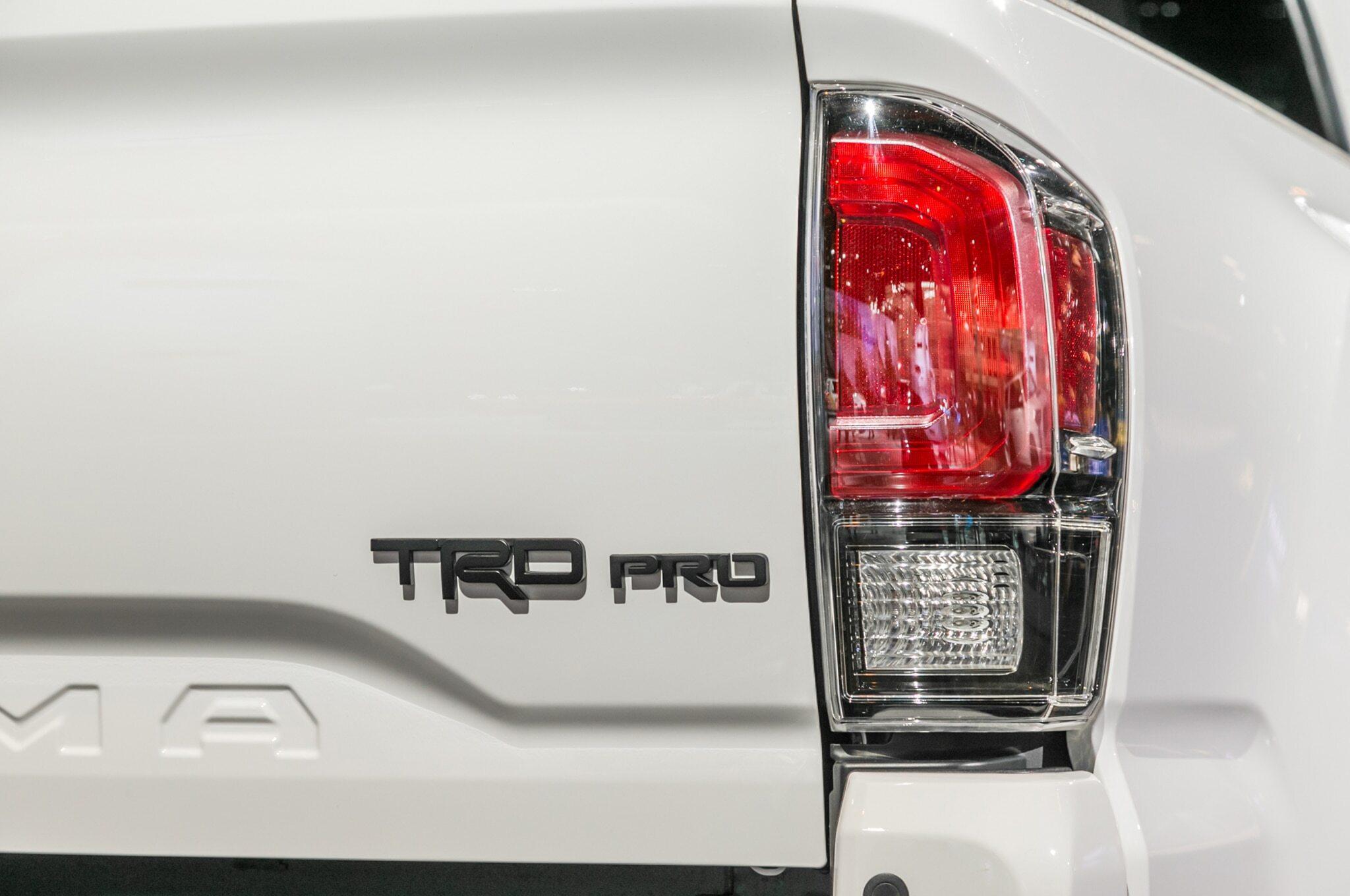 2019-Toyota-Tacoma-TRD-Pro-taillight
