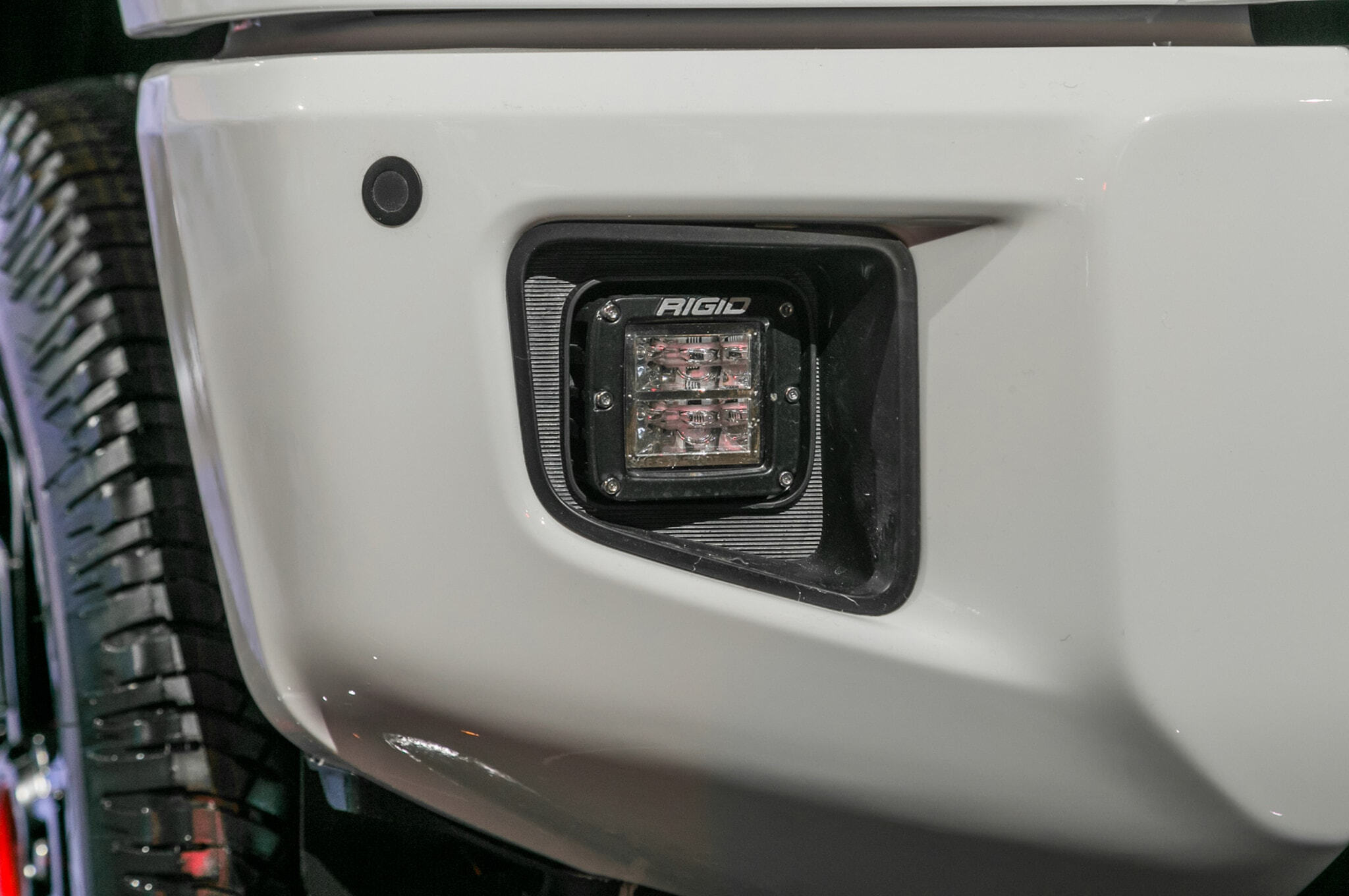 2019-Toyota-Tundra-TRD-Pro-front-grille-detail