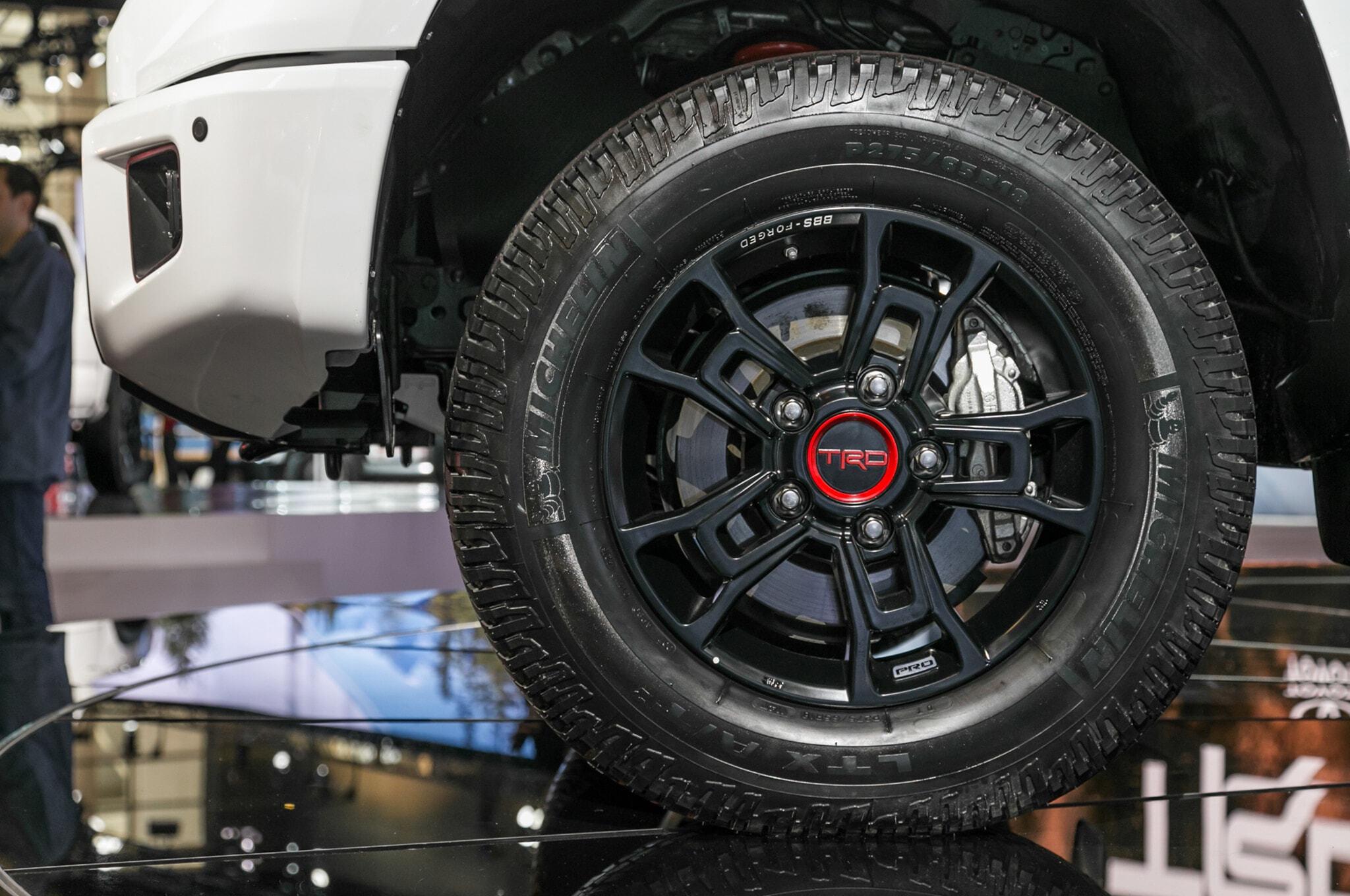 2019-Toyota-Tundra-TRD-Pro-front-wheel
