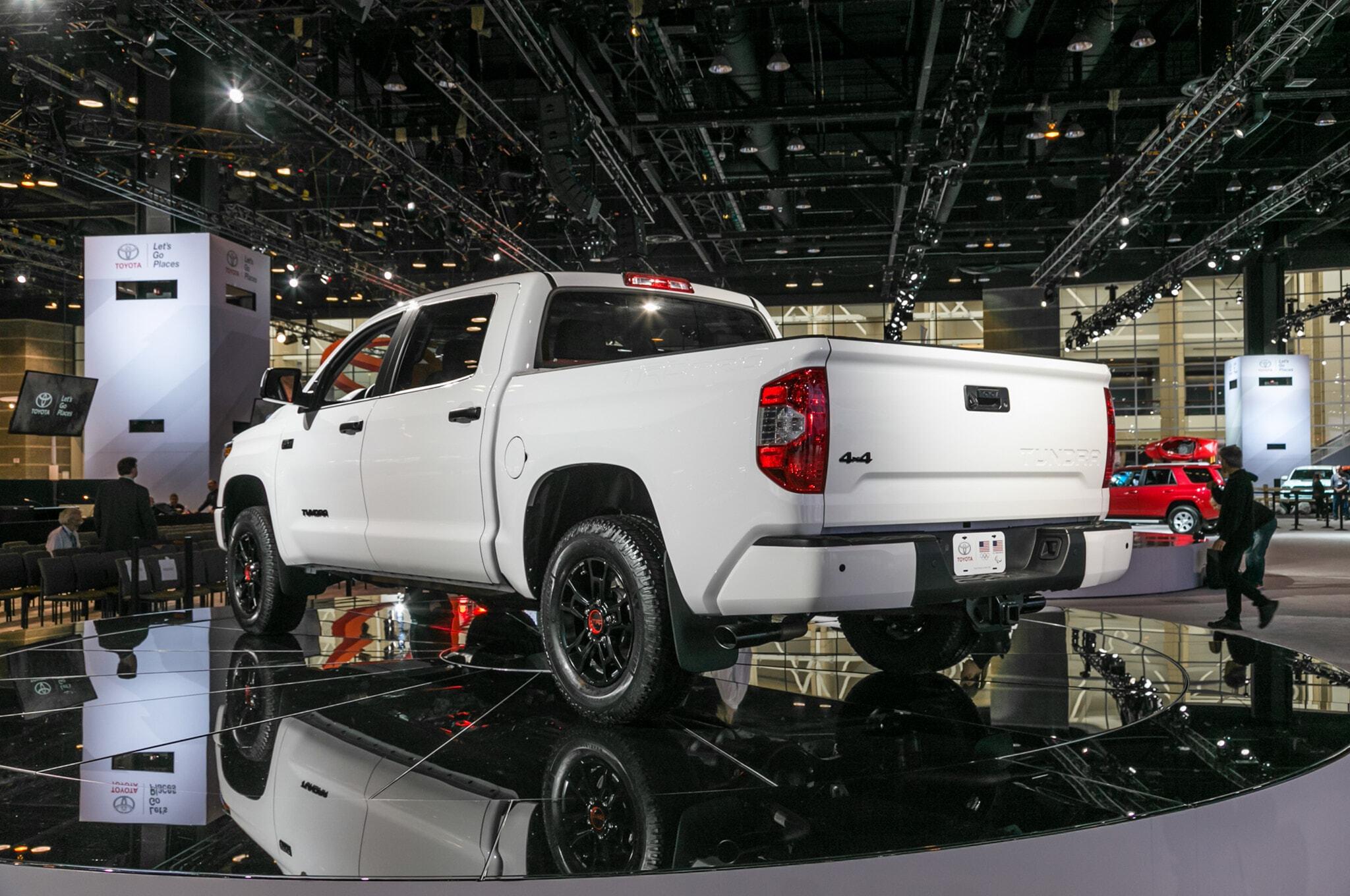2019-Toyota-Tundra-TRD-Pro-rear-three-quarter-01