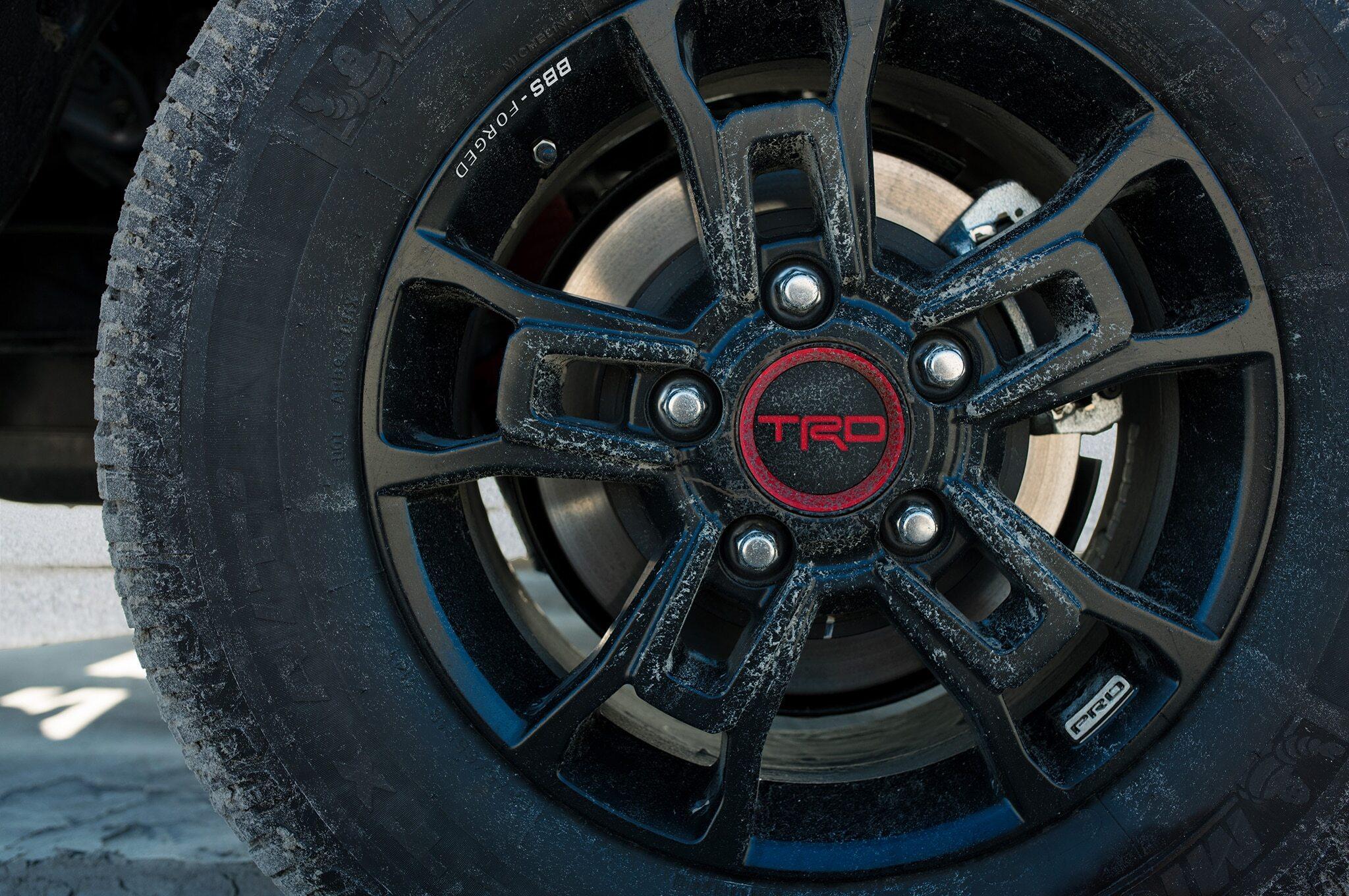 2019-Toyota-Tundra-TRD-Pro-wheel