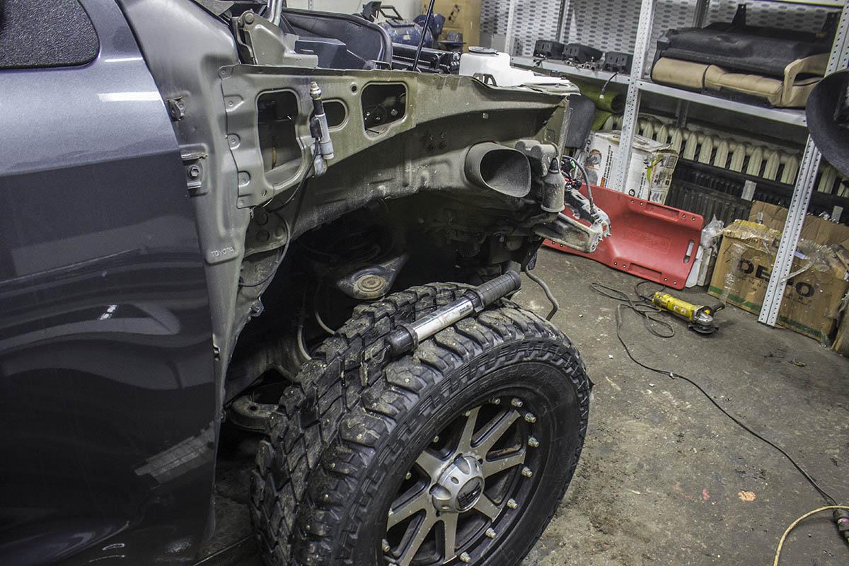 Toyota-Tundra-restyling-process-3