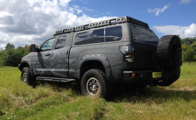 Toyota-Tundra-castle-2