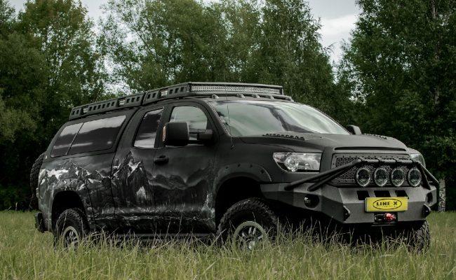 Toyota-Tundra-castle-3