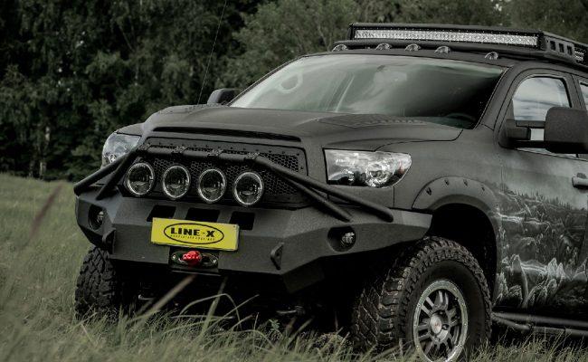 Toyota-Tundra-castle-4