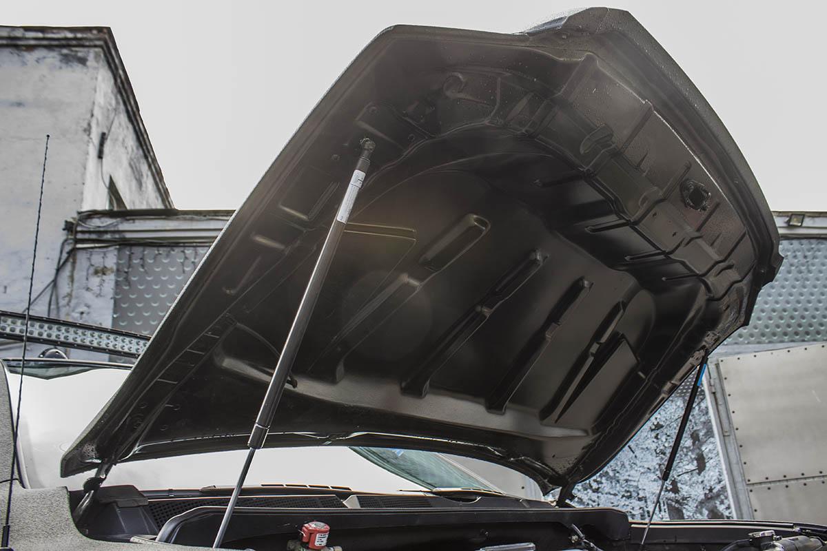 Toyota-Tundra-turbo-hood-6