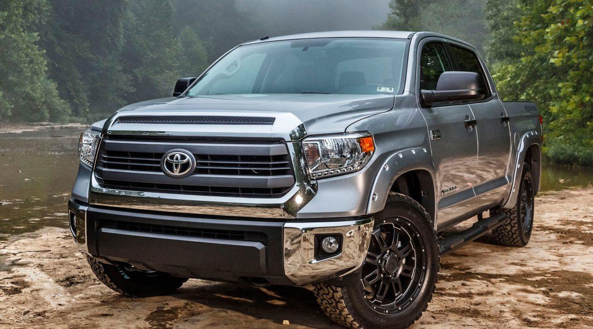 2015-Toyota-Tundra-Bass-Pro-Shops-Off-Road-Edition-front-three-quarter-view