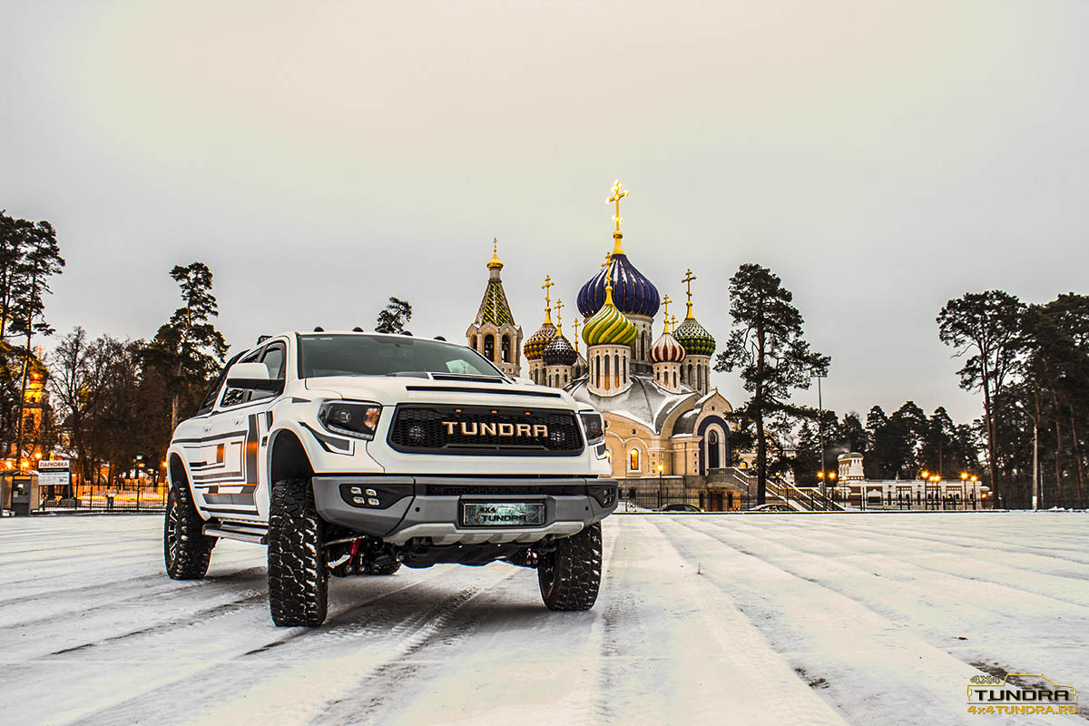 Toyota-Tundra-Wide-Body-1