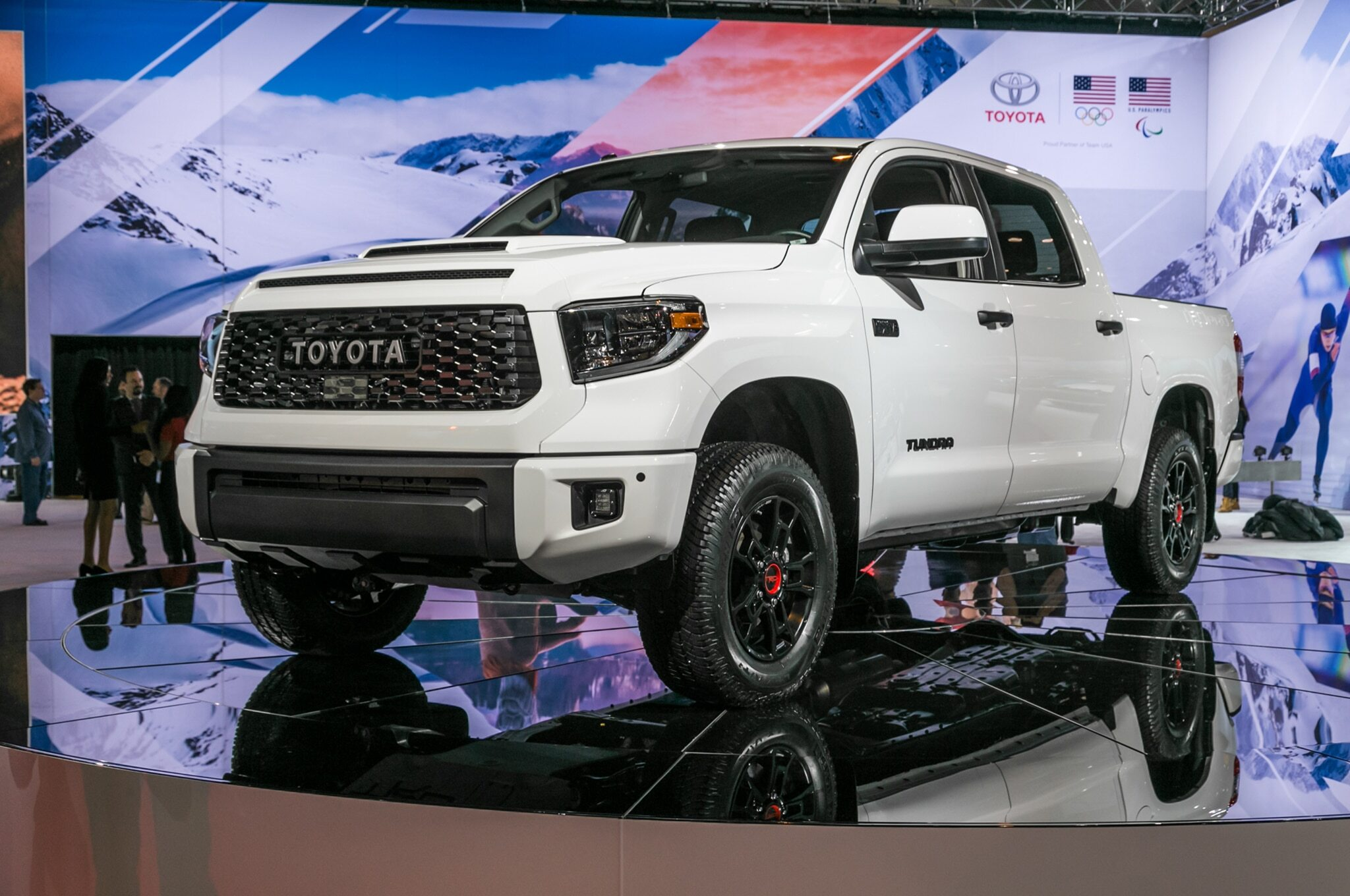 2019-Toyota-Tundra-TRD-Pro-front-three-quarter